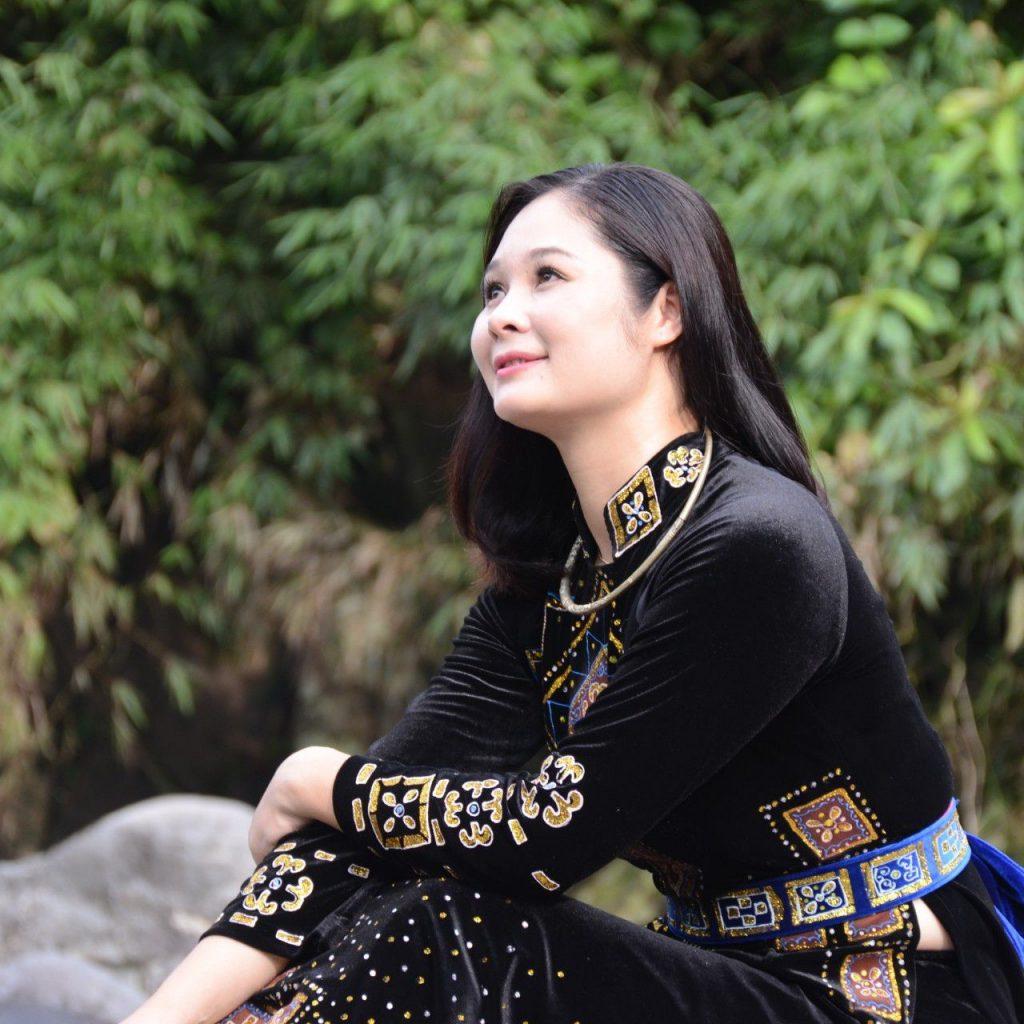 Chị Ánh gia chủ căn hộ ngập tràn màu xanh tại chung cư Hòa Phát Nguyễn Đức Cảnh