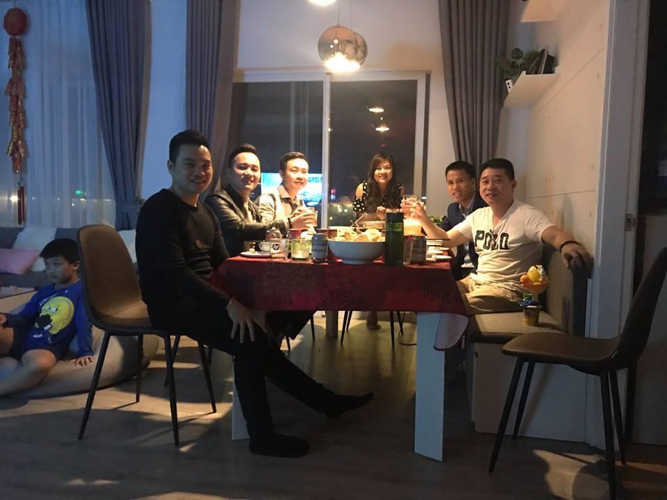 Anh em thiết kế thi công chung vui bên mân cơm gia đình anh chị Tường Hương
