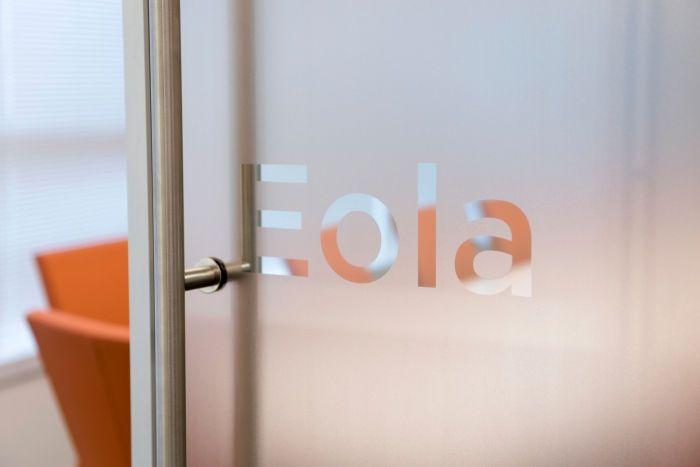 Hệ thống cửa và vách ngăn kính cho phòng họp