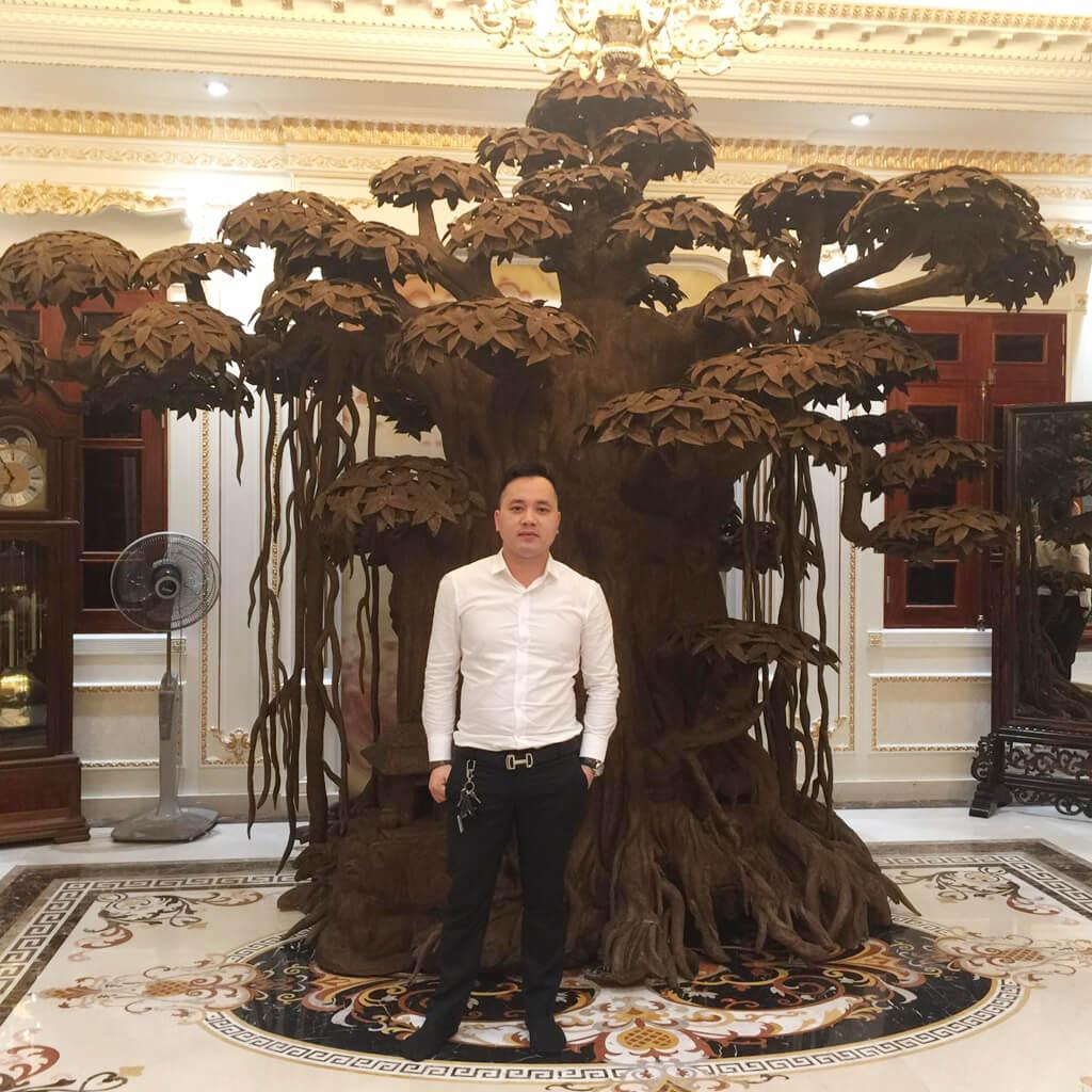 Boss Minh Nguyen Ceo WoodPlus ben cay tram huong 12 ty