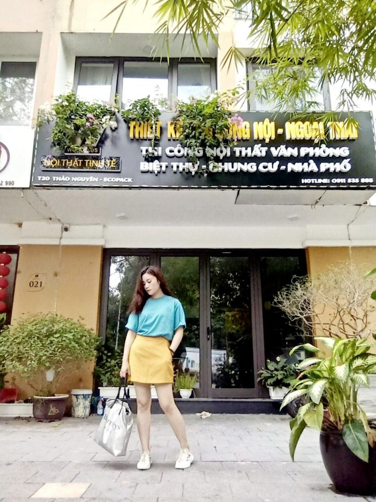 Chị Huyền giám đốc WoodPlus chi nhánh EcoPark