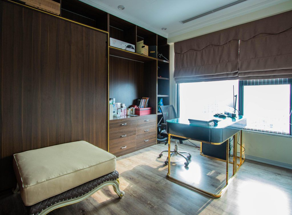 Góc làm việc trong không gian phòng ngủ master ceo mỹ phẩm Trần Thu Thủy