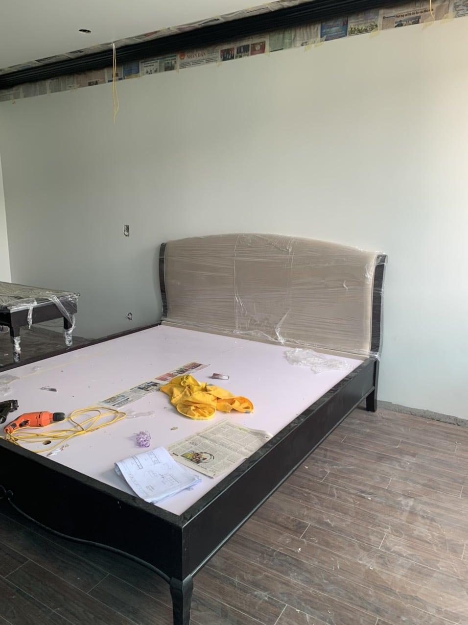 Thiết kế kiến trúc nội thất - thi công nội thất Ecopark Hải Dương - Lắp đặt giường ngủ